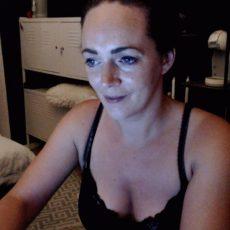 Cloe85 webcamgirl op Islive cams